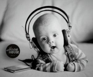 music_and_baby_Fotor-1024x848